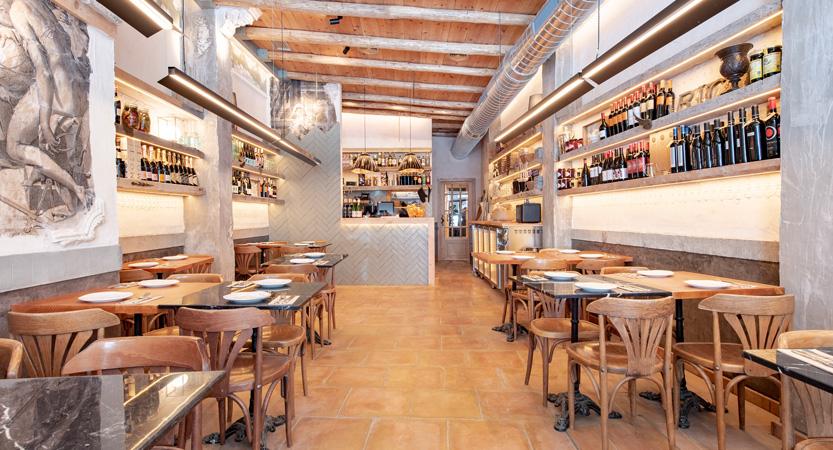 PETRA Restaurante a la Piedra
